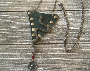 Guitar Pick Holder Necklace Rockn'roll jewelry-Leather Case-Dark Green-Guitar Accessories-Snake and Rose-Leather Jewelry for Him or Her