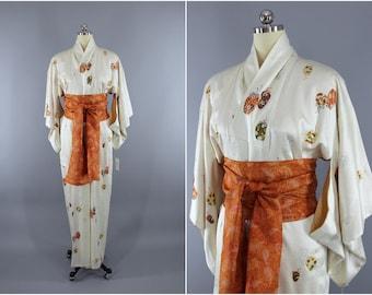 Vintage Silk Kimono Robe / Vintage Dressing Gown / Vintage Lingerie Robe / Loungewear / 1960s / Ivory Novelty Print