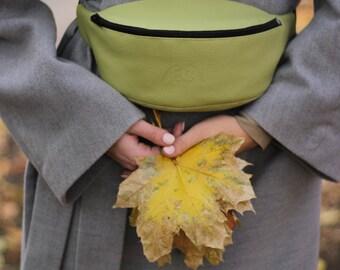 fanny pack for woman, bum bag, Waist bag, Hip bag, Bum bag, Festival bag, Belt bag, Green faux leather pouch, travel purse, messenger bag