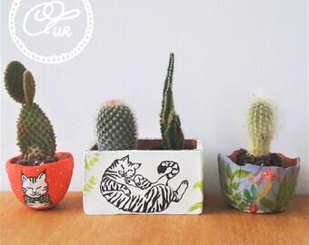 Little handmade and handpainted mini cactus/plant pots, 3 set
