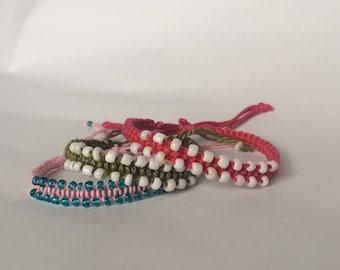 Macrame hippie bracelet with pearls, yarn bracelet with beads, friendship bracelet