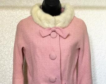 Stunning Vintage 1950's/1960's Lilli Ann Pale Pink Woolen Suit With Cream Mink Fur Collar UK 8.
