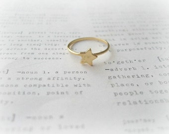 Gold Star Knuckle Ring