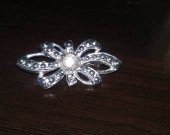 Vintage Brooch Ribbon Style with Clear Rhinestone in silver tone Costume Jewelry Pin