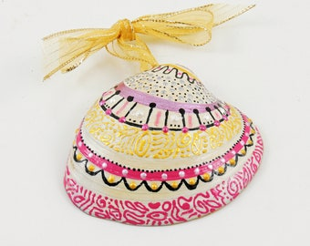 Painted sea shell ornament - Pink and gold