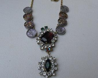 Antique RHINSTONE BUTTON NECKLACE Vintage Romantic Glass Gatsby Look Purples