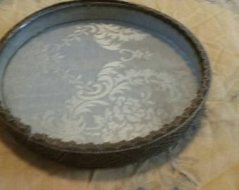 Victorian Style Specimen Display Box/Circular Container/Simple Decorative Accessory/Shadow Box/Small Round Keepsake Box/Lace Pattern/Used