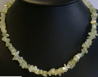 Necklace in serpentine chips of 44 cm
