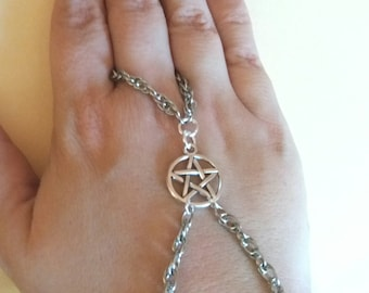 Hand Witch, Pagan Jewlery, Wiccan, Wicca, Pentacle