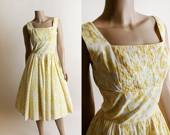 Vintage 1950s Dress - Jerry Gilden Yellow Floral Shadow Sundress - Pin-Up Style Rockabilly Pleated Shelf Bust - Full Skirt - Small Medium