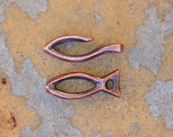 2 Rustic Fish Toggle Clasps - Bronze