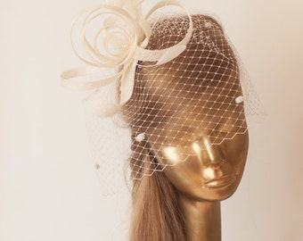 Birdcage Veil Ivory FASCINATOR. Cream Sinamay Bridal Fascinator with Veil