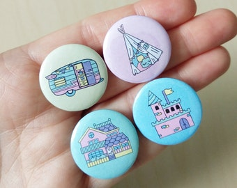 Pack of 4 BADGES TINY HOUSES! x4 different pin badges of dollhouses