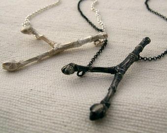 buds necklace