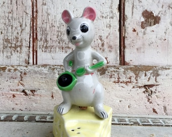 Mouse and cheese salt and pepper shaker vintage ceramic mice and cheese shakers