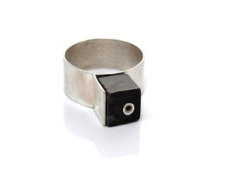 Monument Ring