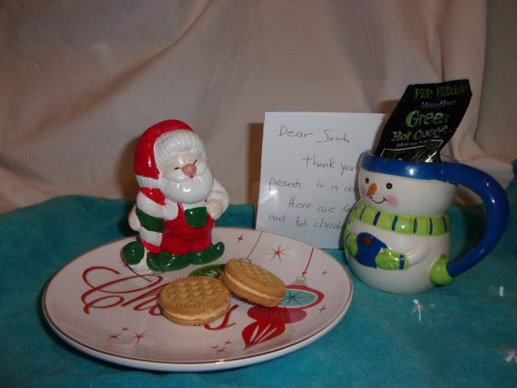 Santa Cookie Plate, cookies for santa, handpainted santa on cookie plate, gift, Christmas, , traditional gift, gift for kids of all ages!