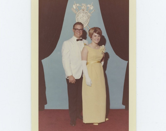 Vintage Snapshot Photo: Couple, c1960s (73553)