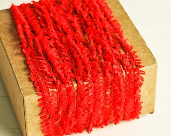 Ruffle Twine in Red - 6 Yards - Christmas Valentine's Day Rustic Shabby Chic Pretty Packaging Gift Wrapping Garland Ribbon Trim Party Decor