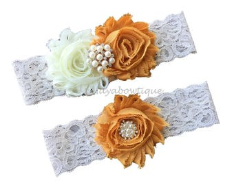 Gold garter, gold wedding garter, gold garter set, gold garter belt, wedding garter gold, plus size garter wedding, ivory lace weddinggarter