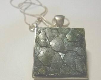 pendant, green egg shell necklace