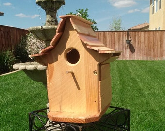 Handcrafted cedar birdhouse #114 FREE SHIPPING