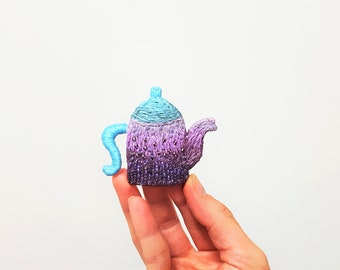 Teapot Brooch. Hand Embroidered. Beaded Purple Teaware. MorningTea. Bead Embroidery Teapot Pin. Cafe Style. Teatime Jewelry. Lavender Mint.
