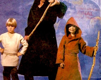 Star Wars costume McCalls 2433 Space Nomads Hooded Robe Pants Tunic and more sewing pattern XSM SM