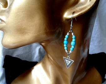 These gemstones, turquoise and Silver 925, ethnic triangle earrings.