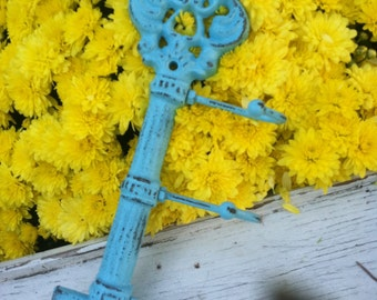 Treasury Item - Key Holder, Shabby Chic Key Holder, Wall Hanger, HARdWaRE IS iNCLuDED