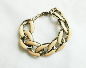 Chunky chain bracelet (gold and pale cream colour)