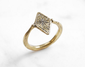 Starry diamond ring - brass