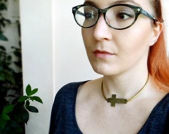 Cross Choker Necklace, Collar Boho Choker, Large Cross Necklace, Short Side Cross Necklace