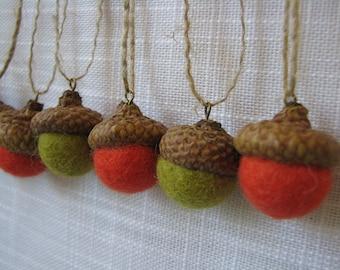 Set of 9 felt acorns, natural acorn caps, 1,8-2cm felt balls, autumn colors, home decorations