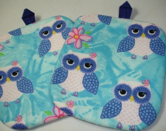 Set of 2 Adorable Owls on Blue print flannel/cotton Potholders