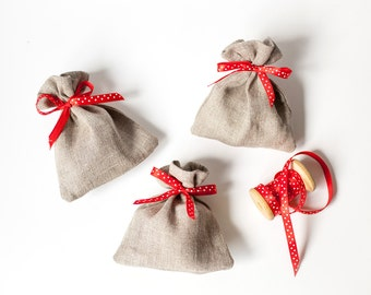 Wedding gift bags set 50 - Linen gift bags - linen favor pouches -  Rustic gift bags with red polka dot ribbon - Fabric party bags