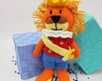HAPPY LION, hand knitted lion, handknitted lion, hand knitted jungle toy, knitted lion, knitted soft toy, knitted children's toy, animal