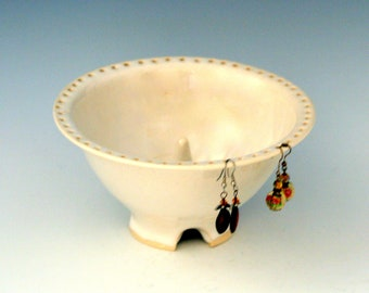 Pottery Earring Bowl/Ceramic Jewelry Bowl/Earring Organizer in White with Cone ring Holder/Ceramics and Pottery