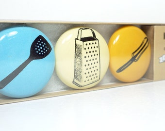 magnet set in the kitchen. (3pk)