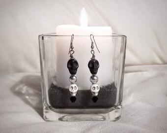 Skull Earrings, Dangle Skull Earrings, Day of the Dead Earrings, Sugar Skull Earrings, Gothic Skull Earrings, Macabre Jewelry, Antique Skull