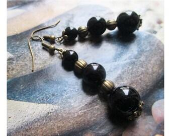 """Onyx beads"" earring on antique bronze"