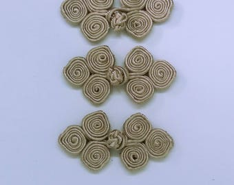 Oyster frog closure. 3 scroll. Set of 3