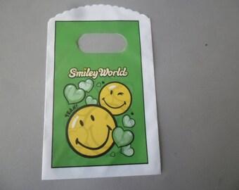 x 10 bags/pouches plastic pattern Smiley World 14.5 x 8.5 cm