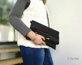 Shoulder bag - Chic - leather/synthetic suede/sequin - Black - 29 x 18 x 3 cm