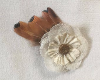 Flower and feathers hair clip