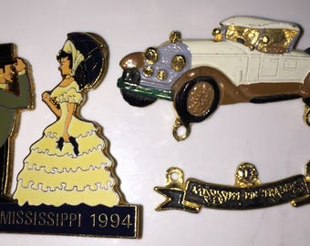 SALE 1994 Mississippi Pin Trader Pins Mississippi (MD-30) Southern Ladies Lions Club Lapel Pins Antique Car Pin Lady w/ Southern Gentleman
