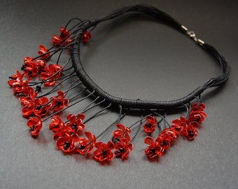 Necklace falling flowers