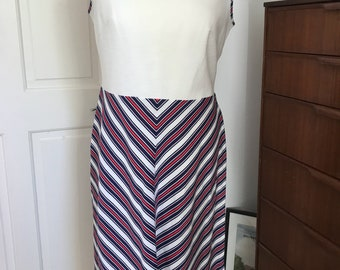 1970s Chevron Detail Sleeveless Dresss Size 12