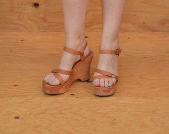 Vintage Wooden Platform Sandals With Strappy Detail & Wedge Heels SZ 9.5