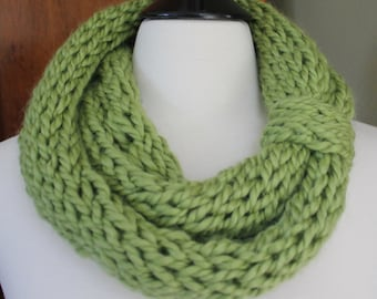 Green Finger Knit Scarf